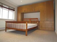 2 bedroom flat in Beechcroft Avenue, Harrow, Middlesex