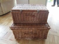 Picnic type wicker baskets