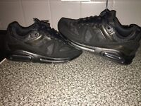 Mens nike air max command trainers