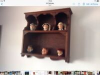 Small oak display shelving unit. About 18 inches long
