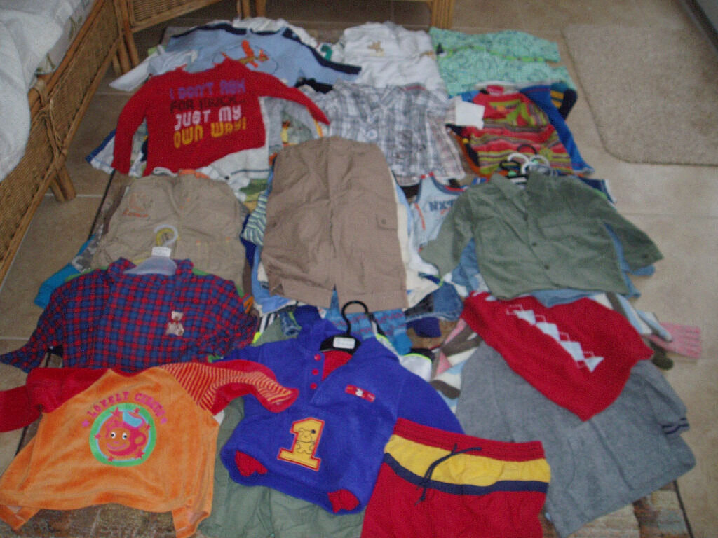 CHILDRENS CLOTHES, HUGE JOB LOT BUNDLEin Norwich, NorfolkGumtree - Huge bundle of childrens clothes, approx 135 items, ideal for car booter. Shirts, teeshirts, jumpers, trousers, shorts, jackets, pyjama sets, hats, babygros, bibs etc Various sizes/ages from newborn to 3 4 years, mostly boys but also a few girls...