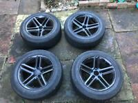 "17""black Momo alloy wheels with winter tyres"