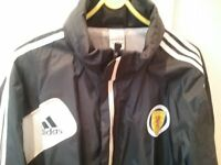 SCOTLAND ADIDAS FOOTBALL RAIN JACKET FITS L/XL