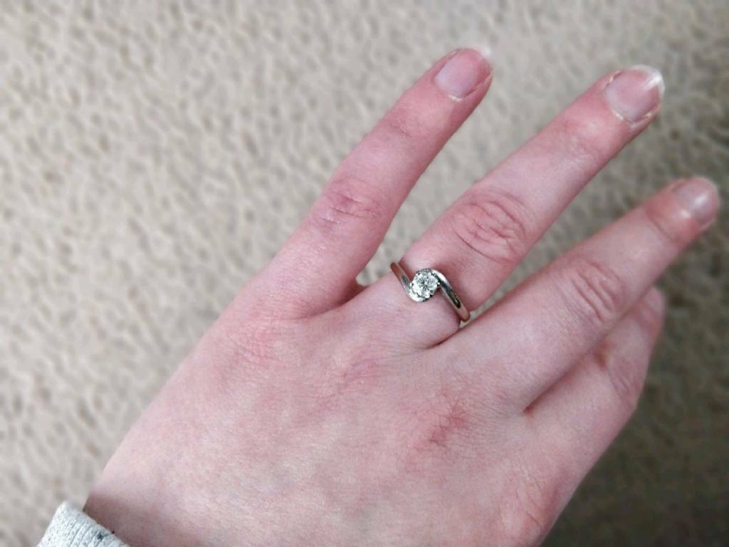 18ct white gold, diamond engagement ring | in Dundee | Gumtree