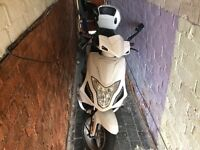 125 cc spyder scooter one owner from new with helmet and jacket