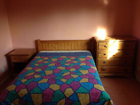 A Large Double-Bed room available in Longstanton Village