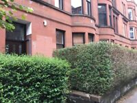 Westend Kelvinbridge Ground Floor 2 Bedroom Flat with private maintained gardens