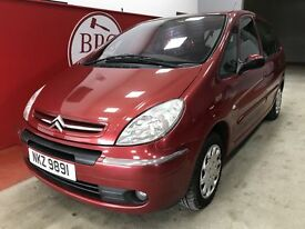 Citroen Xsara Picasso (red) 2005