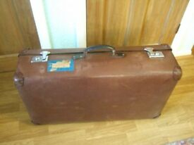 Suitcase Globetrotter vintage large