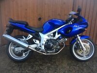 ULTRA BRIGHT VERY LOW MILEAGE 12K SUZUKI SV650 WITH NEW MOT AND SERVICE
