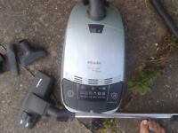 Miele Vacuum S500 Revolution Good Suction 1600 Watts 3 Tools.