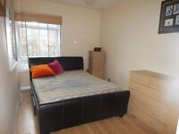 Double room in south Wimbledon. Available 30/10