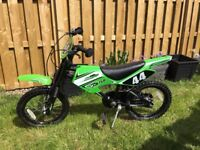 BOYS MOTOBIKE MXR750 BIKE 16 INCH CHUNKY WHEELS BLACK/GREEN FRONT SUSPENSION WITH MATCHING HELMET