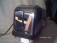 TOASTER 2 SLICE by RUSSELL HOBBS , Like the 1950s Famous Morphy Richards Model +++++