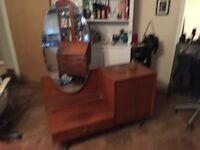 Dressing table with 4 draws