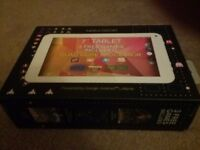 "7"" Tablet with 3 free games included ***Ideal Christmas gift***"