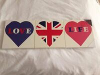 Love heart wall hanging pictures