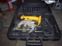 Dewalt 18V Cordless Circular Saw with Rip Fence and Carry Box