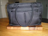 "Substantial Targus 15"" Laptop and Documents Tote Style Bag. Very Good Condition. Only £10"