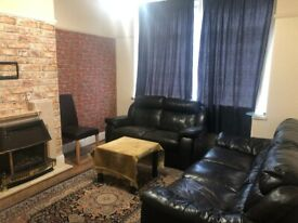 4 bed Terraced House With 2 Receptions Available for Rent in Ilford