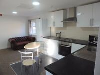 Modern First Floor Two Bedroom Flat Available 01/10/17 £700 including Water
