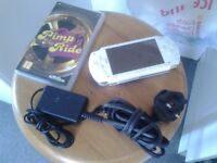 white psp + 1 game + charger