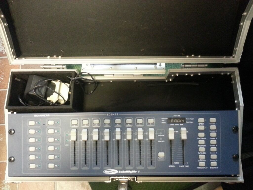 dj disco showtec dmx 8 channel controllerin Waltham Abbey, EssexGumtree - dj disco showtec dmx 8 channel controller fitted in a good quality flight case as new condition