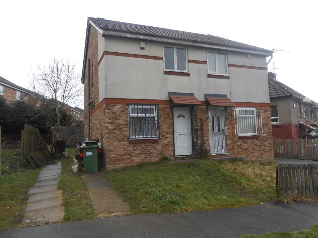 2 bedroom house in Merlin Grove BD8