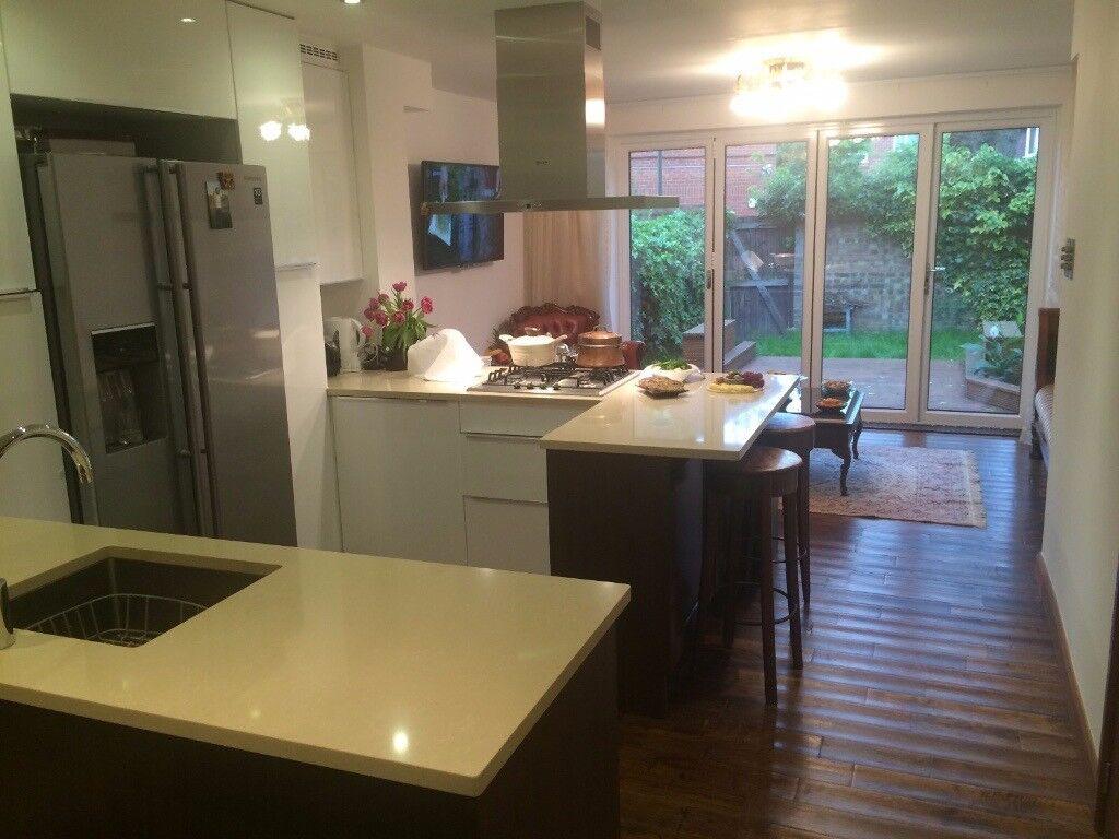 **ALL INCLUSIVE** Luxury 1 Bedroom Garden Flat, Modern Kitchen&Shower, Wooden Floor, Washing Machine