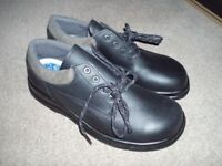 Uvex Toe Capped Safety Shoes. Size 10. Wide Fit. Gel heels. New & Unused.