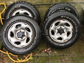 Toyota hilux wheels x4 and tyres