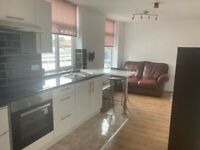 One bedroom flat, recently renovated, off street parking, great transport links