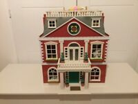 Sylvanian Grand Hotel- superb condition and with furniture and a family.
