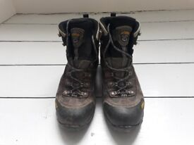 Asolo Flame Walking boots size 46 (UK 11)