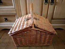 Picnic basket two person