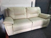 NEW/EX DISPLAY LazBoy White/Cream Recliner 3 Seater Sofa