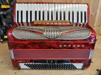 Hohner Musette, 4 Voice Musette (LMMM), 120 Bass, Piano Accordion. Lessons Available.