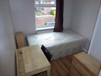 Single Room in Duncan Grove, East Acton W3