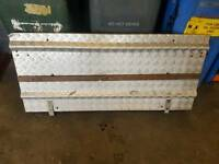 Livestock trailer rear loading ramp gate