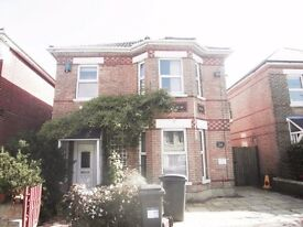 Detached Six Bedroom House avaialable for Students