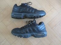 GENUINE NIKE AIR MAX 95 110,S MENS TRAINERS SIZE UK 8