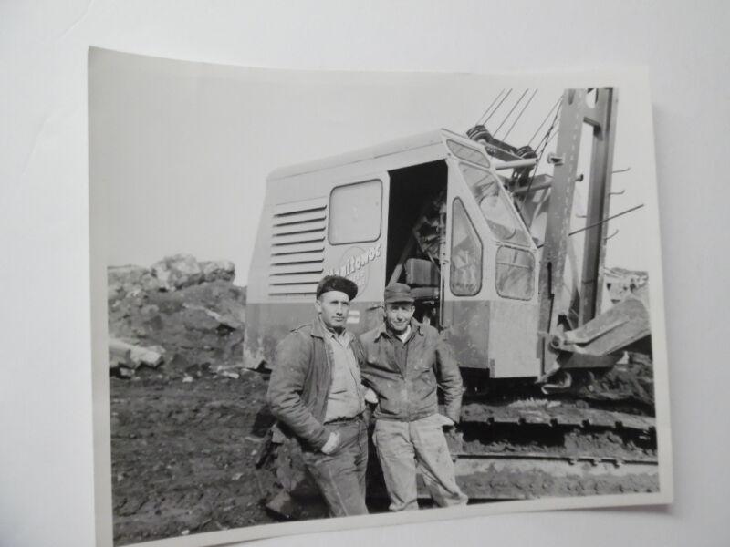 "1959 MANITOWOC CRANE Photo 8"" x 10"" Speed Crane Vintage Original Conmaco Inc. VG"