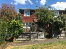 3 bedroom house in Gainsborough road, Basingstoke, RG21