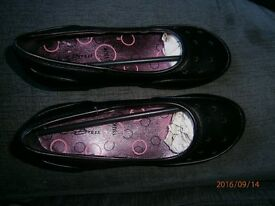 brand new girls school shoes