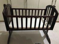 o baby crib