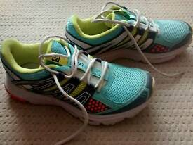 Ladies Salomon Trail Running Trainer