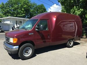Ford E-350 unicell 2006