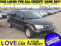 2011 Chrysler Town & Country Touring * DVD * NAV * PWR ROOF