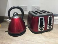Russell Hobbs Red kettle and 4 slice Toaster