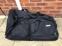 ANTLER HOLDALL CASE WITH WHEELS & EXTENDABLE HANDLE - LARGE